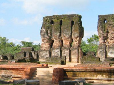 Polonnaruwa unesco ruins
